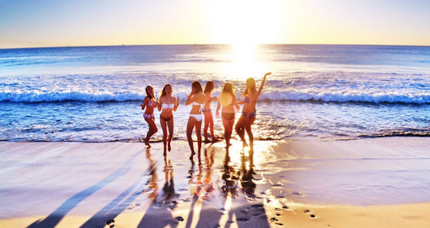 garotas-na-praia